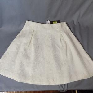 white cotton mini skirt with side zipper